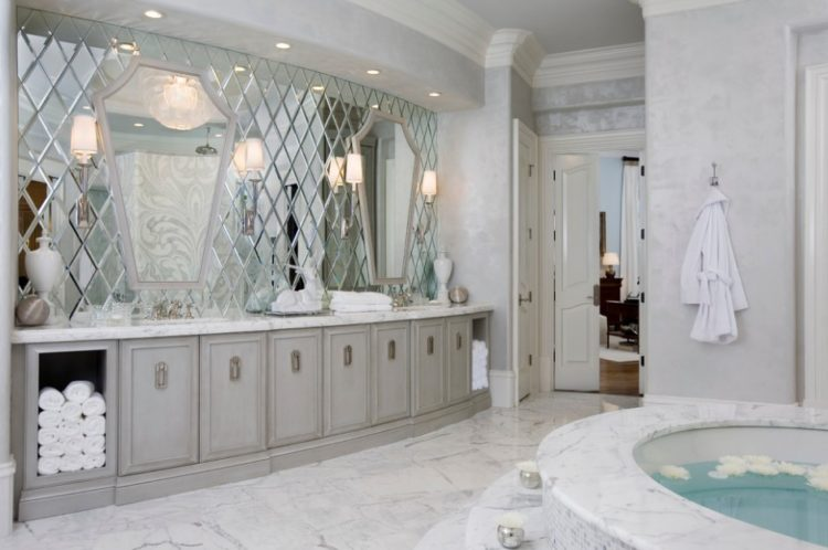 Enjoy Your Bath Time With These Beautiful Design of Bathroom Mirror Ideas 14