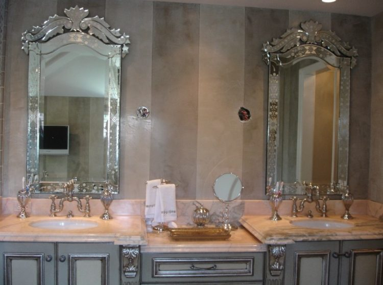 Enjoy Your Bath Time With These Beautiful Design of Bathroom Mirror Ideas 3