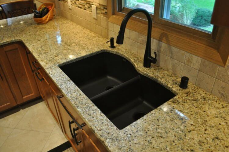 Corner Cooking Area Sink Design