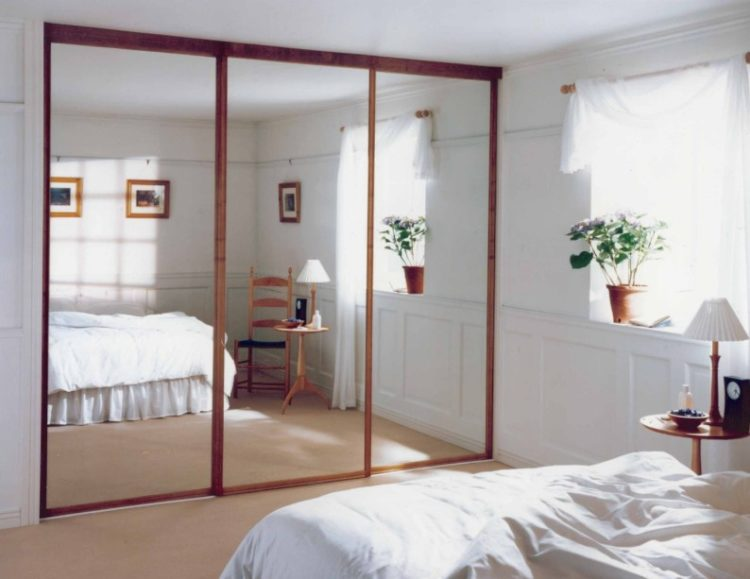 Cool Mirrored Closet Door Ideas For Small Bedrooms