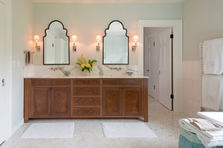 Enjoy Your Bath Time With These Beautiful Design of Bathroom Mirror Ideas 7