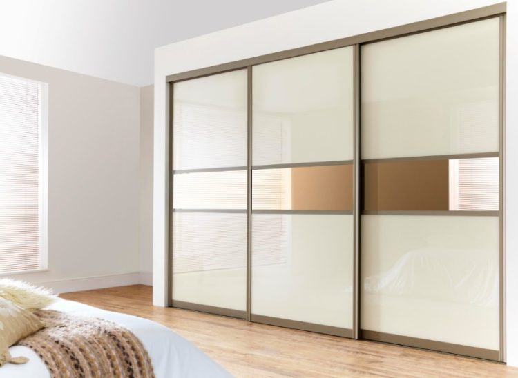 big closet door design with less mirrored area - Door Design Ideas