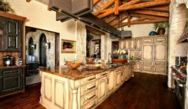 Living the Rusty Life with These Wonderful Rustic Looking Kitchen 8