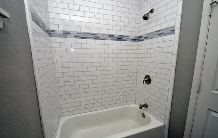 Subway Tile Shower Design To Beautify Your Bathroom Area