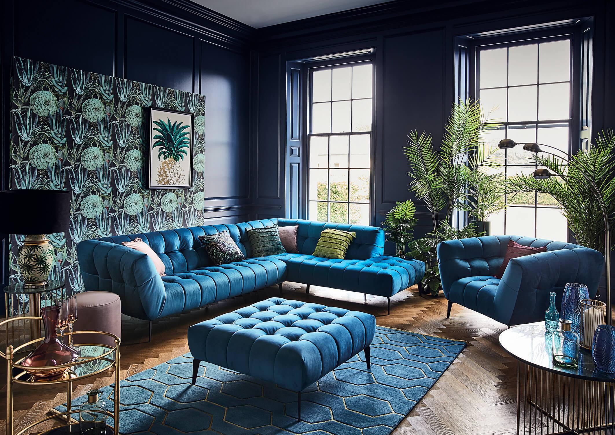 Bold Turquoise Living Room Design Ideas