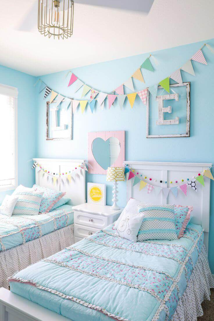 Chic Turquoise Bedroom for Girl