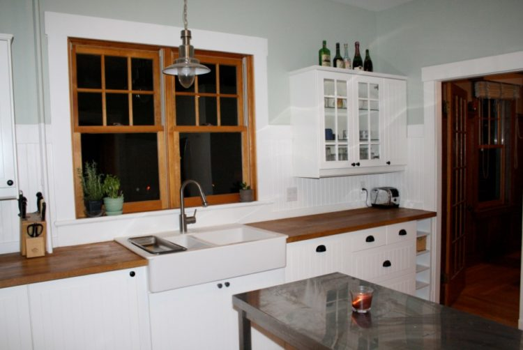 Marvelous Beadboard Backsplash Part - 13: White Kitchen Cabinets With Beadboard Backsplash