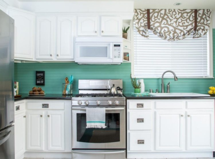19 Beadboard Backsplash Ideas to Make Stunning Kitchen Room