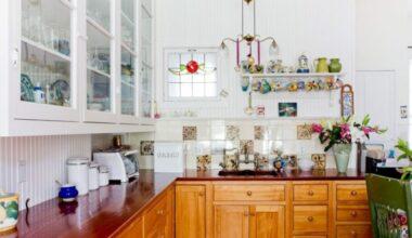 19 Beadboard Backsplash Ideas to Make Stunning Kitchen Room 2