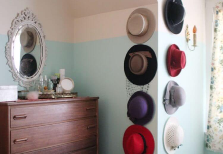 'Hat rack ideas design' from the web at 'https://theskunkpot.com/wp-content/uploads/2017/05/hat-rack-ideas-display-1.jpg'