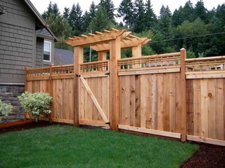 Pallet Fence Gate