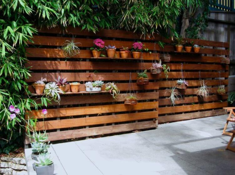 Pallet Fence Ideas 4