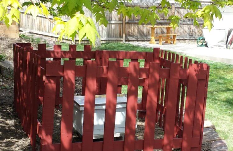 Pallet Fence Ideas 6