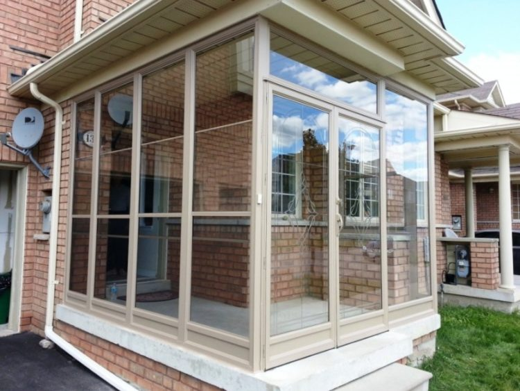 Screened in porch ideas with stunning design concept for Porch window ideas