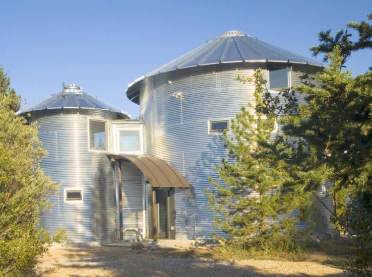 15 Grain Bin House as Anti-Mainstream Living Space Design 5