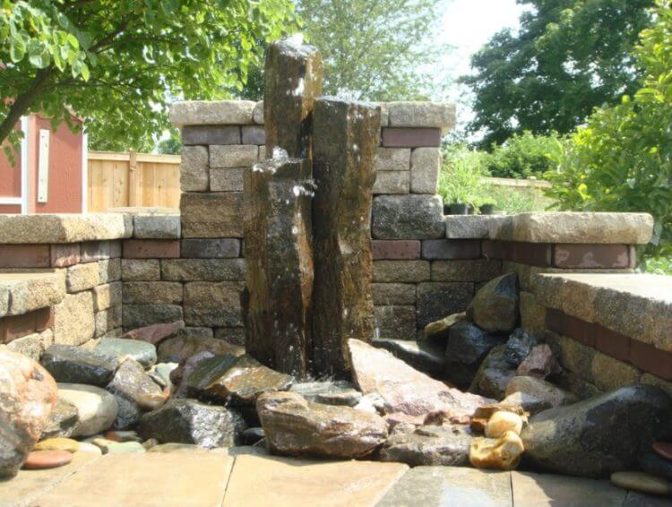 21 Backyard Wall Fountain Ideas to Wow Your Visitors 5