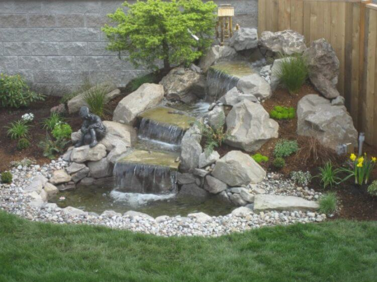 21 Backyard Wall Fountain Ideas to Wow Your Visitors 14