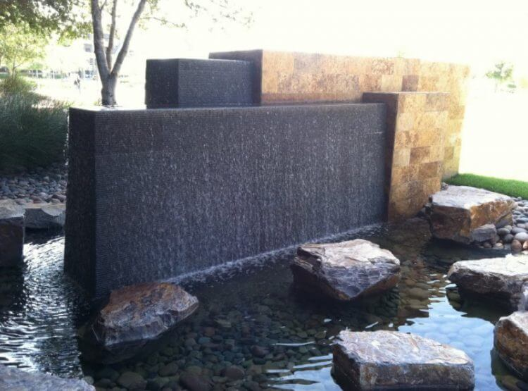 21 Backyard Wall Fountain Ideas to Wow Your Visitors 16