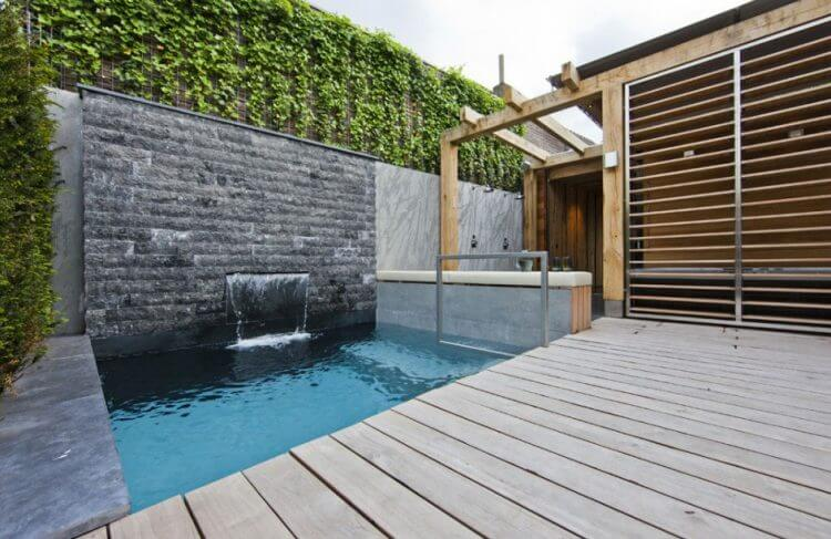 21 Backyard Wall Fountain Ideas to Wow Your Visitors 21