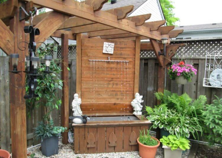 21 Backyard Wall Fountain Ideas to Wow Your Visitors 22