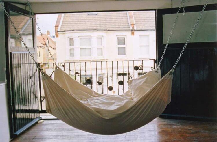 21 Brilliant Hammock Ideas for a Laid-Back Staycation 19