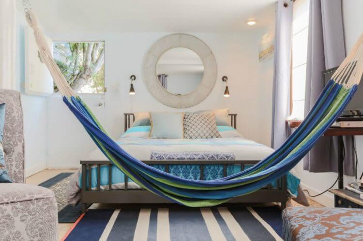 21 Brilliant Hammock Ideas for a Laid-Back Staycation 20