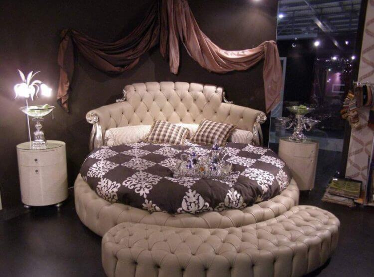 10 Exquisite Modern and Classic Round Beds for Your Sleep Space 8