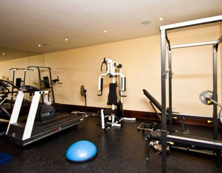 23 Best Home Gym Room Ideas For Healthy Lifestyle 6