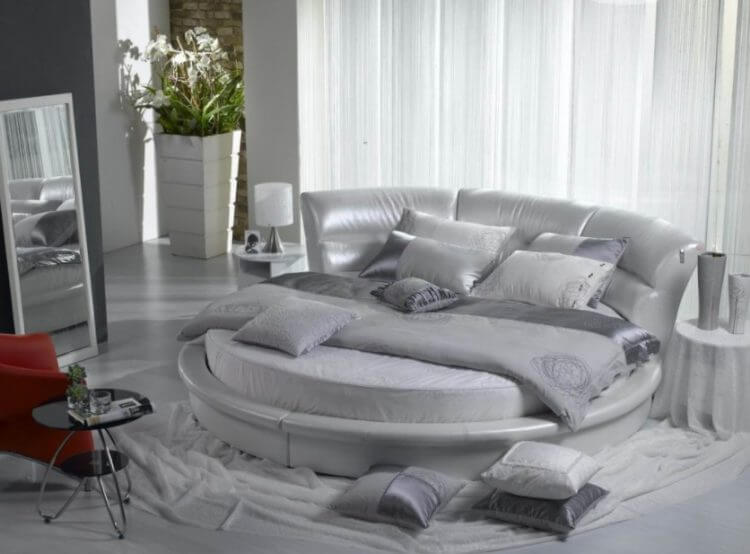 10 Exquisite Modern and Classic Round Beds for Your Sleep Space 10