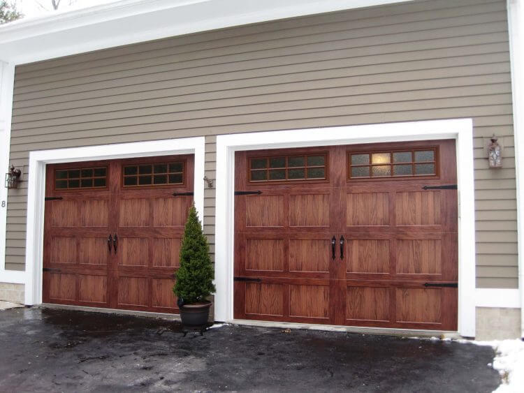 10 Astonishing Ideas for Garage Doors to Try at Home 4