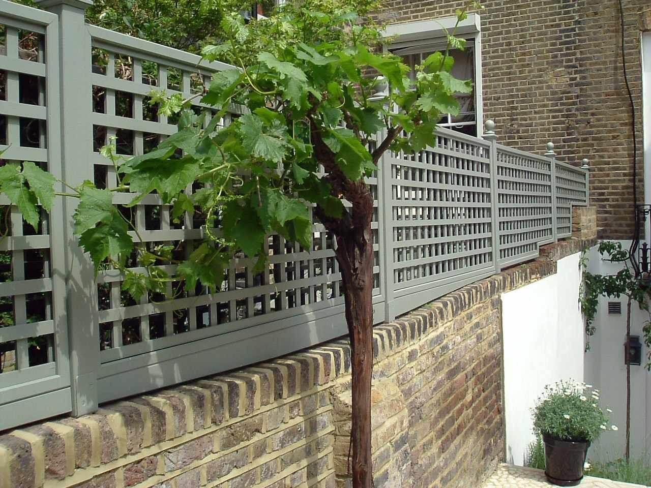 Decorative Garden Fences Ideas