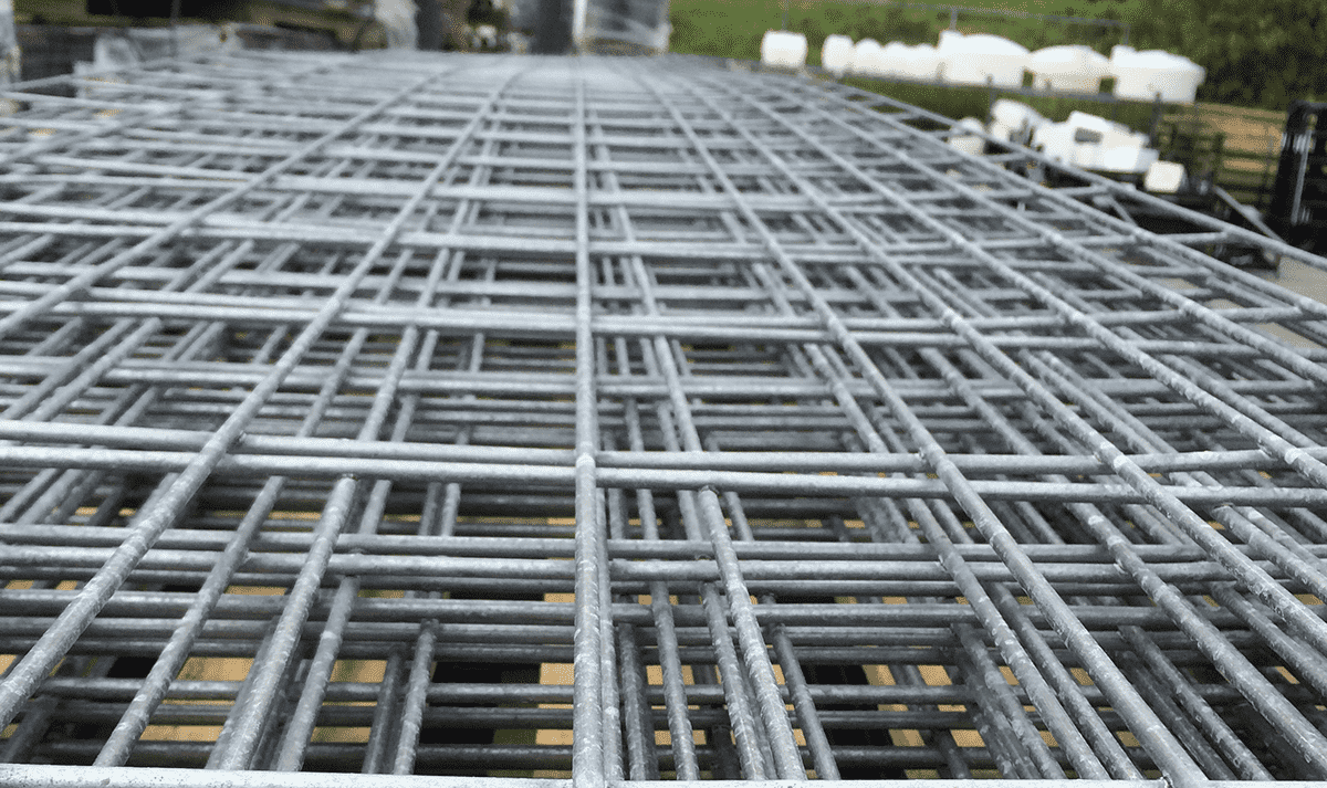 Construct A Hog Wire Fence